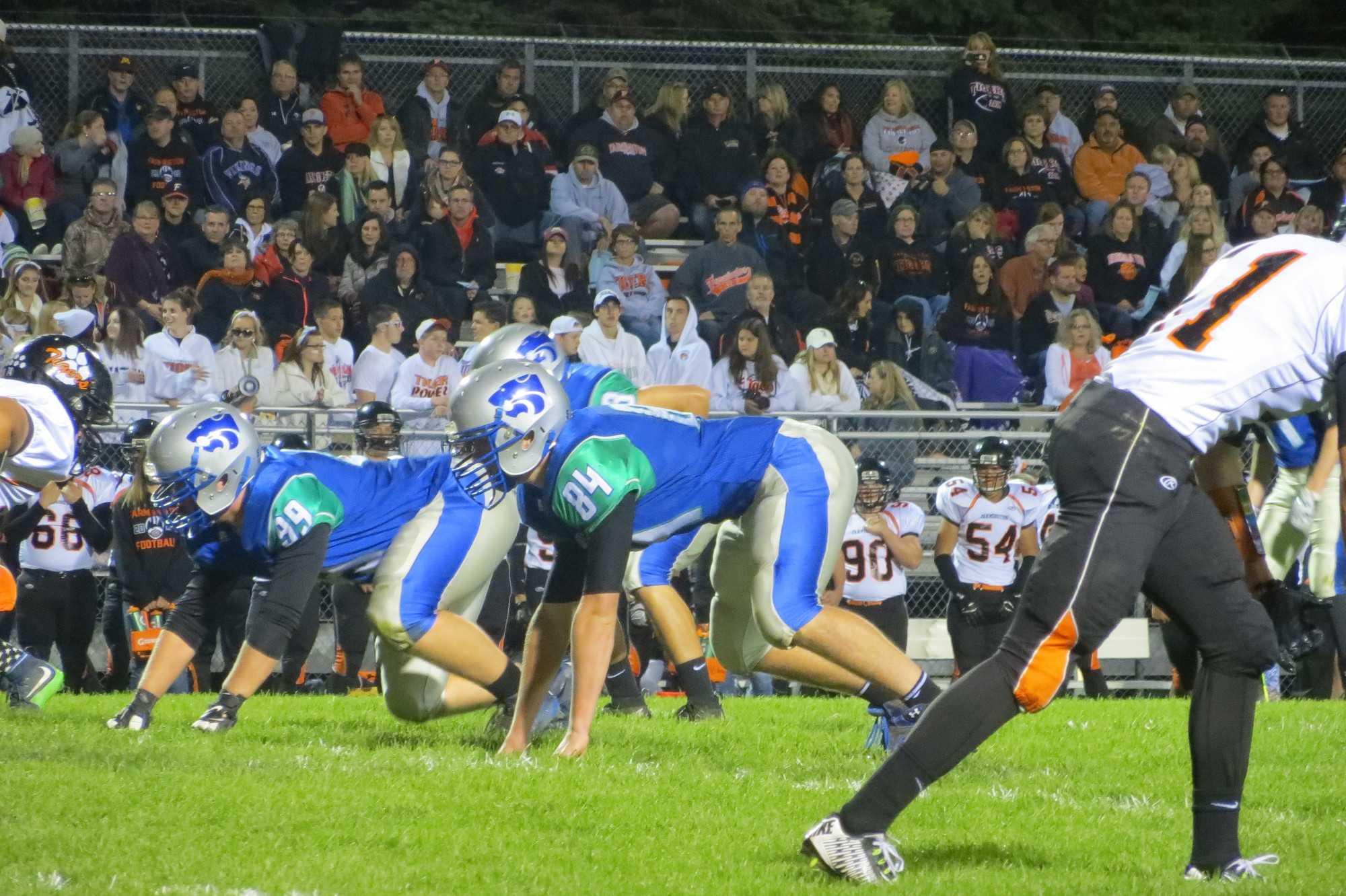 Josh Kawlewski and Wyatt Glienke on the defensive line