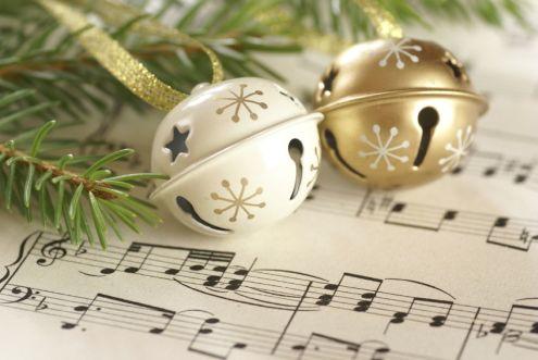 VOCA Singers Spread Holiday Cheer through Caroling