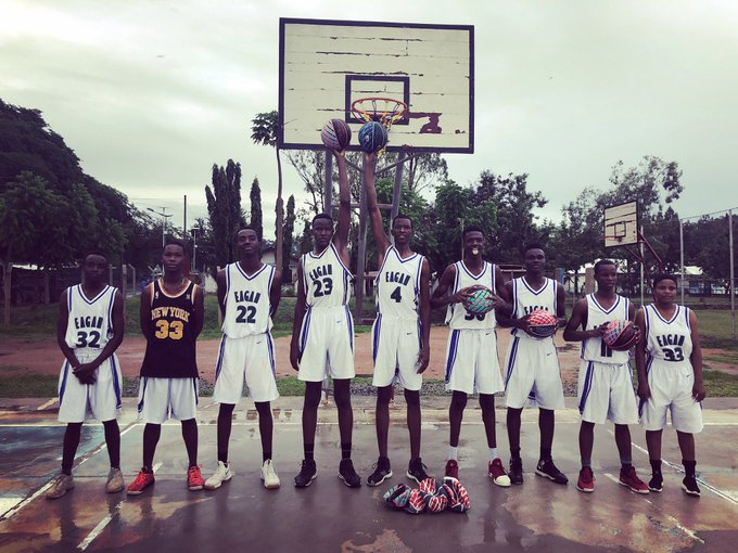 Boys+basketball+joins+together+to+donate+equipment+to+Tanzania